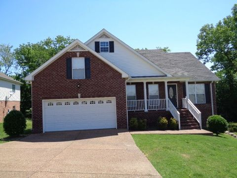 Photo of 435 Rocky Crest Dr, Gallatin, TN 37066