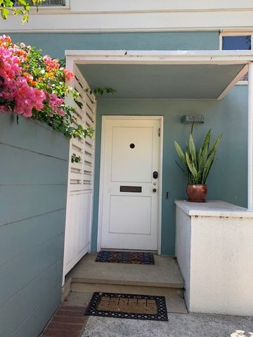 Photo of 5283 1/2 Village Grn, Los Angeles, CA 90016
