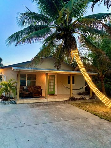 Photo of 2966 Andrews Ave, Naples, FL 34112