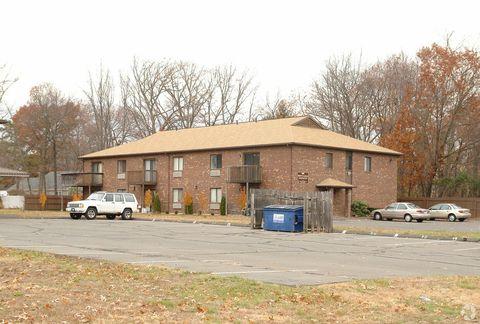 Photo of 311 East St, Plainville, CT 06062