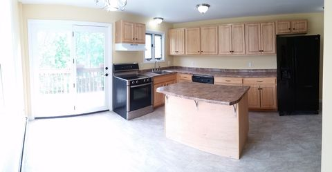 Photo of 32 Highland St Apt D, Concord, NH 03301