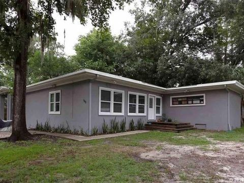 Photo of 105 Nw 21st Ter, Gainesville, FL 32603