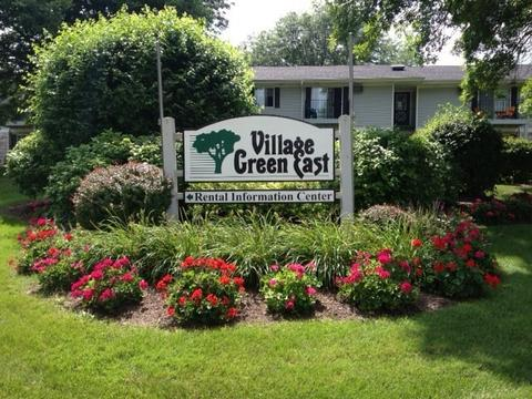 820 Village Green Ln E, Madison, WI 53704