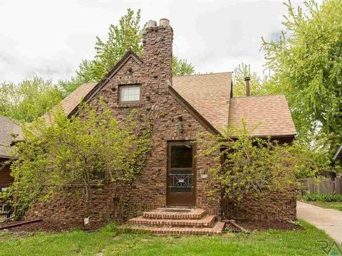 Photo of 1635 S 5th Ave, Sioux Falls, SD 57105