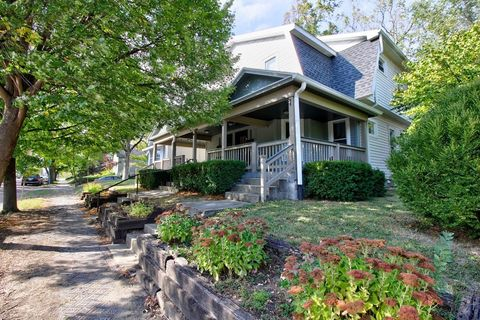 Photo of 1118 Clinton St, Noblesville, IN 46060