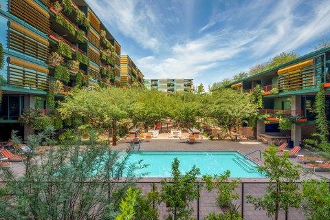 6895 E Camelback Rd, Scottsdale, AZ 85251