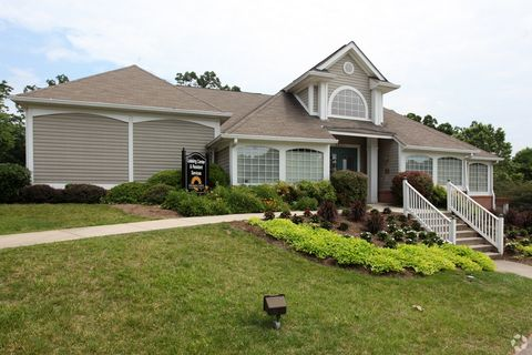 Photo of 3635 Sunscape Dr, Roanoke, VA 24018