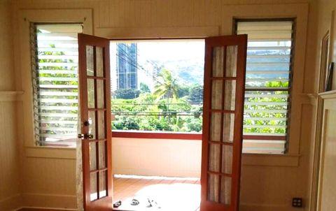 Photo of 275 Auwaiolimu St, Honolulu, HI 96813