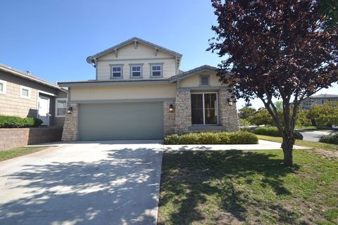Photo of 33965 Lake Breeze Dr, Yucaipa, CA 92399