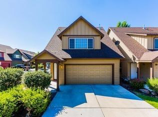 Photo of 2915 Sw Indian Cir, Redmond, OR 97756
