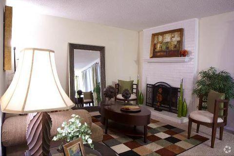 Photo of 1700 Hunter Ridge Ln Nw, Peachtree Corners, GA 30092