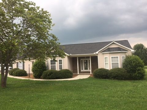 Photo of 2842 Paran Pointe Dr, Cookeville, TN 38506