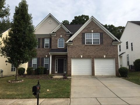 Photo of 14419 Whistling Swan Rd, Charlotte, NC 28278