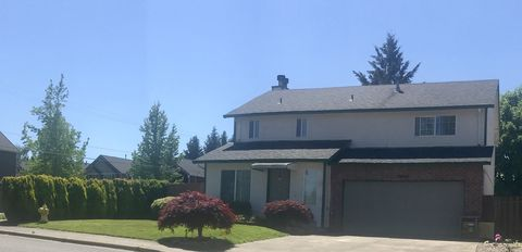 Photo of 20612 Sw Brackenwood Ln, Beaverton, OR 97003