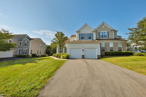 Photo of 5256 High Vista Dr, Orefield, PA 18069