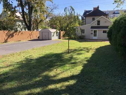 Photo of 818 Veirs Mill Rd, Rockville, MD 20851