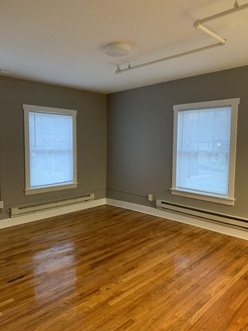Photo of 3600 6th Ave # 105, Des Moines, IA 50313