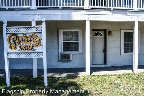 Photo Of 402 S Holly St Greenville Nc 27858 Apartment For Rent