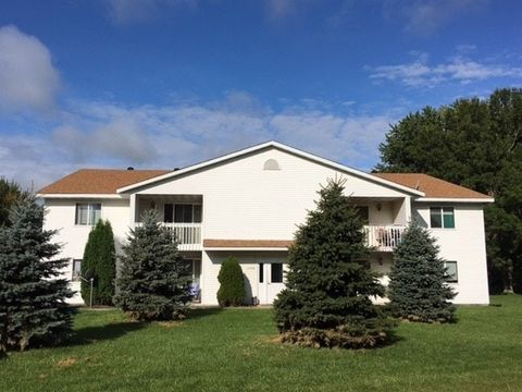 Photo of 1360 6th Ave Apt 5, Baldwin, WI 54002