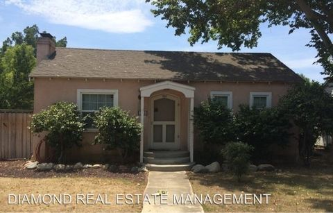 233 Lincoln St, Bakersfield, CA 93305