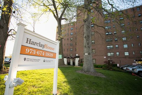 299 S Harrison St, East Orange, NJ 07018