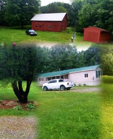 230 Tipperary Rd, Northern Cambria, PA 15714