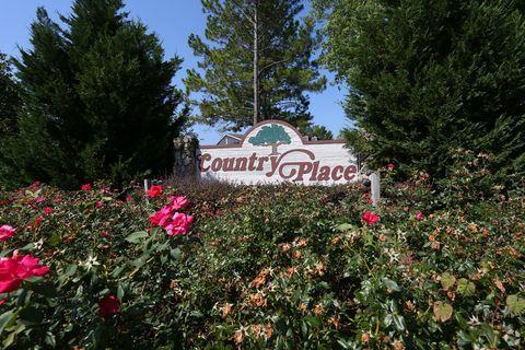 Photo of 4000 Gillionville Rd, Albany, GA 31721