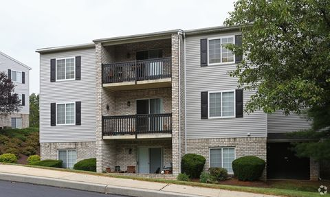 Photo of 2902 Chesterbrook Ct, Camp Hill, PA 17011