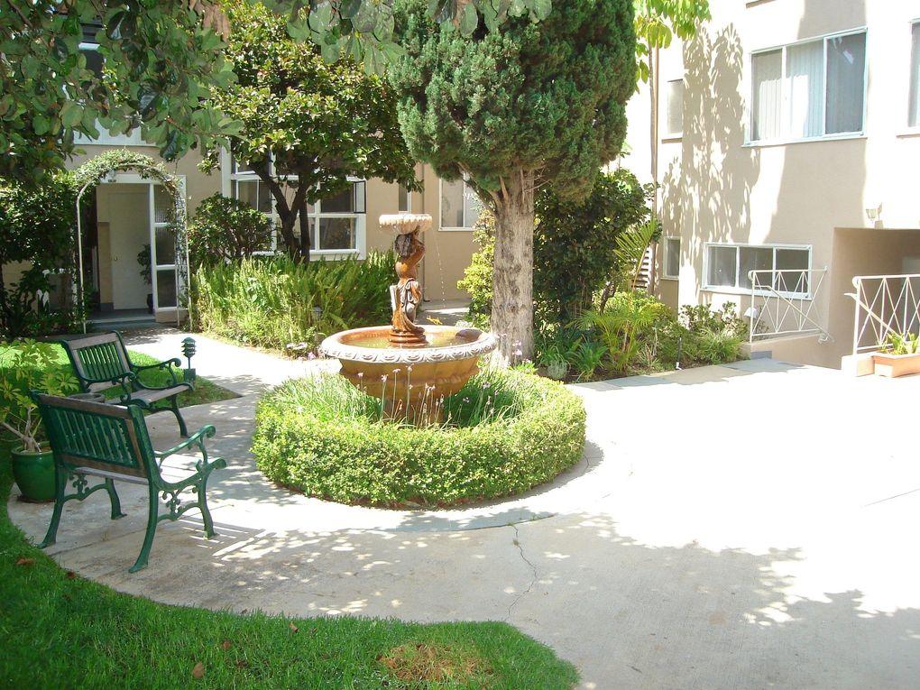 11707 W Sunset Blvd, Los Angeles, CA 90049