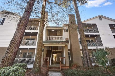 Photo of 997 Johnnie Dodds Blvd, Mount Pleasant, SC 29464
