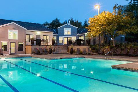 1807 Sw Golf Creek Dr, Portland, OR 97225
