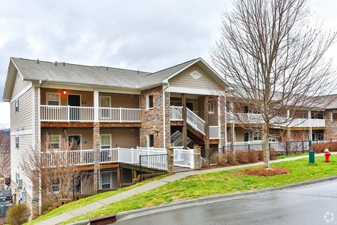 Photo of 304 Madison Ave, Boone, NC 28607