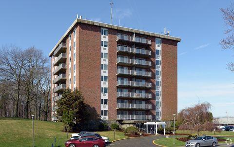 Photo of 2121 W Main Rd, Portsmouth, RI 02871