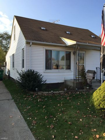 23763 Schroeder Ave, Eastpointe, MI 48021