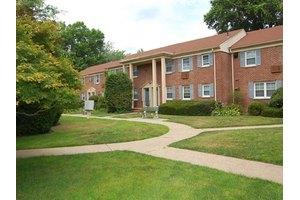 Pet-Friendly Apartments for Rent in Elizabeth, NJ on Move.com Rentals