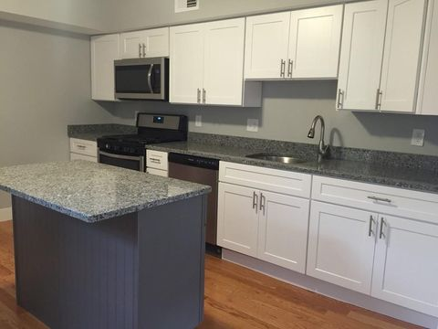 Photo of 117 Durant St Apt 3, Lowell, MA 01850