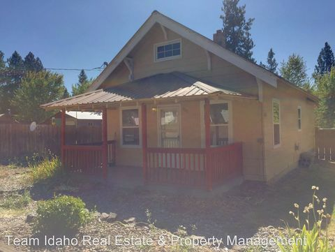 500 5th Ave, Deary, ID 83823