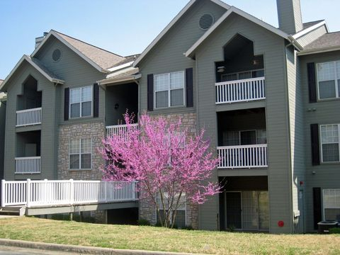 16401 Chenal Valley Dr, Little Rock, AR 72223