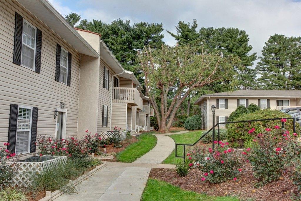 La Mancha Apartments Asheville Nc