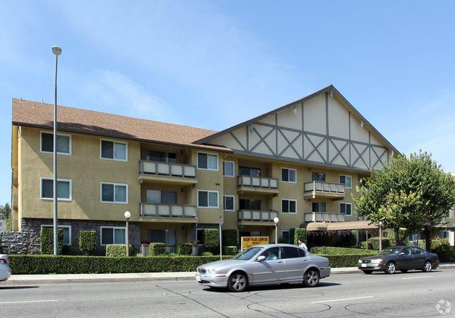 5633 45 Topanga Canyon Blvd Woodland Hills CA 91367