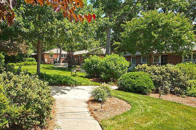 Delicieux 5 Hamilton Rd, Chapel Hill, NC 27517