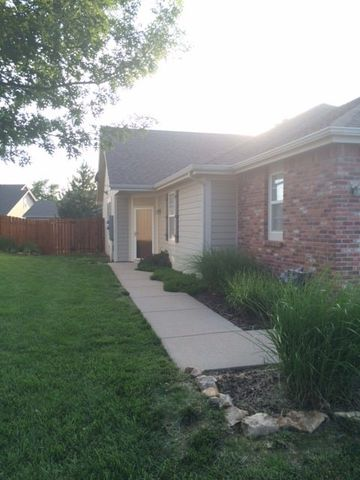 Photo of 1403 Legends Ct, Lawrence, KS 66049