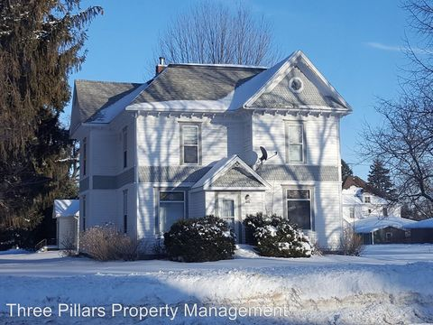 Photo of 616 N Broadway Ave, Le Roy, MN 55951
