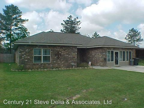 1611 Plough St, Deridder, LA 70634