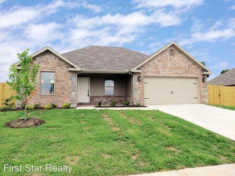 821 Crawford Ln, Prairie Grove, AR 72753