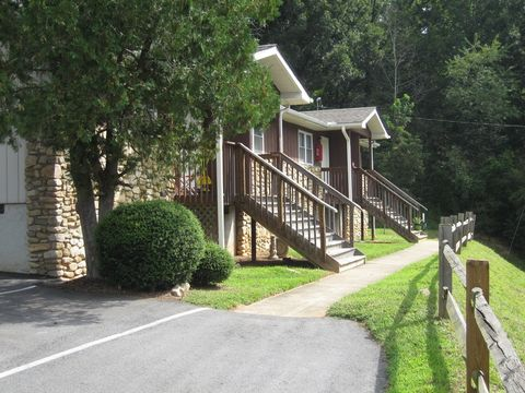 Photo of 200 Baird Cove Rd, Asheville, NC 28804