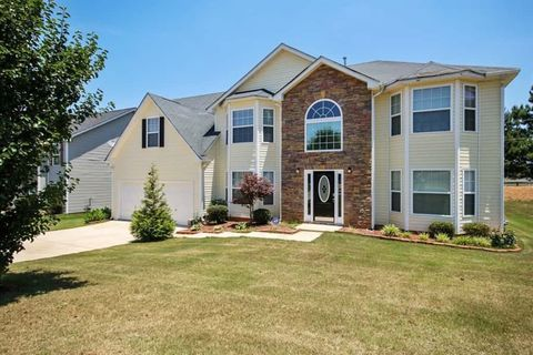 Photo of 102 Laughlin Dr, Locust Grove, GA 30248