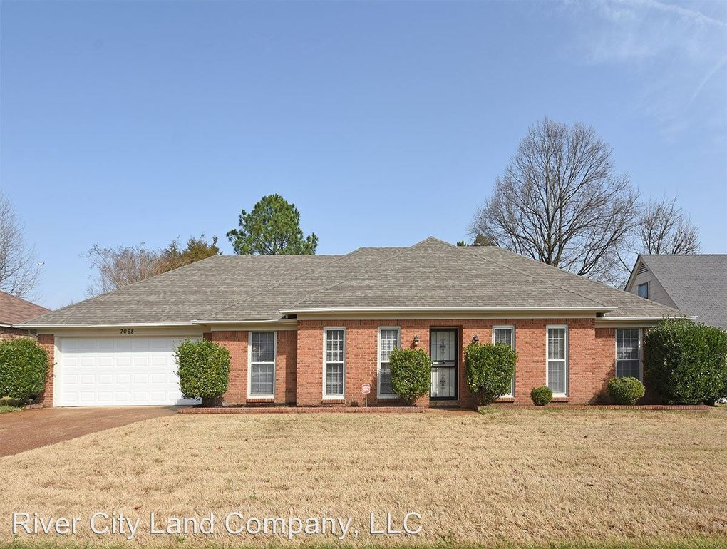 Amazing 7068 Snyder Rd Memphis Tn 38125 Home Interior And Landscaping Palasignezvosmurscom