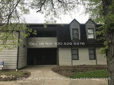 Photo of 530 Kling St Apt 3, Akron, OH 44311