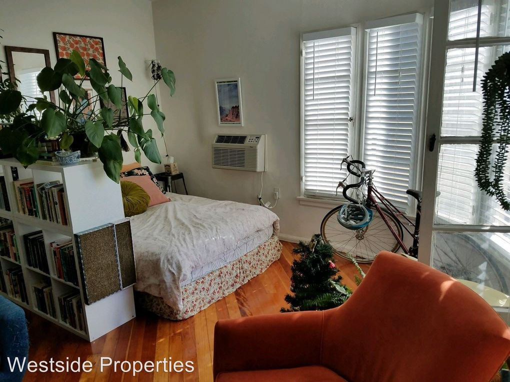 638 S Cloverdale Ave, Los Angeles, CA 90036